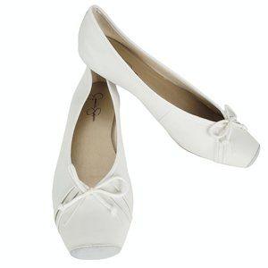 Jessica Simpson 8.5 Leve Ballet Style Flats White